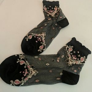 Accessories - NEW Sheer Embroidered Ankle Socks Black